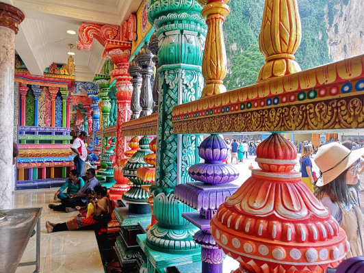 The pillars are painted with bright colorful color.