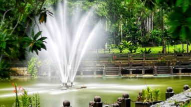 Lake Garden fountain